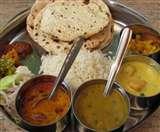 योगी सरकार पांच महानगरों से शुरू करेगी अन्नपूर्णा भोजनालय