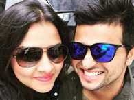 Suresh raina and his wife priyanka in peris