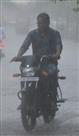 उमस भरी गर्मी में बारिश ने दी राहत