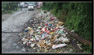 स्वच्छ भारत मिशन को पलीता लगा रहे अधिकारी