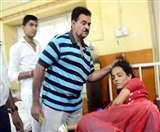 राजस्थान का ये डॉक्टर इलाज के नाम पर मरीजों को जड़ता है थप्पड़