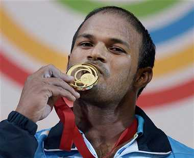 shivlingum wins gold in weightlifting