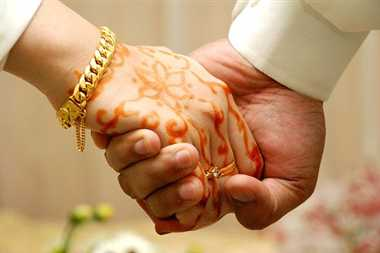 Gay marriage in greed of  Kothi and money ,  now want ' divorce '