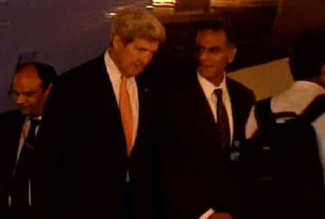 US Secretary of State John Kerry stuck in Delhi traffic