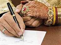 Father of bride forces groom to sign stamp says will not ask for dowry in future