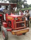कालाबजारी के लिए जा रहा खाद्यान्न को ग्रामीणों ने पकड़ा