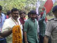 JNU student union president kanhaiya kumar arrived patna, will meet Nitish, Lalu today