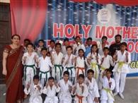 कराटे प्रतियोगिता में खिलाड़ियों ने दिखाया दमखम, 12 स्वर्ण पदक जीते