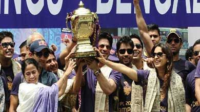 Mamta celebrate KKR victory in style