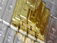 Gold recovers on low-level buying, global cues