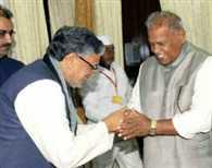 Sushil Modi meet manjhi in his house