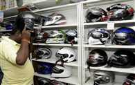 One Man Asked Thousand Of Helmet From  Shopkeeper