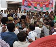 Beating in SP meet of Gorakhpur