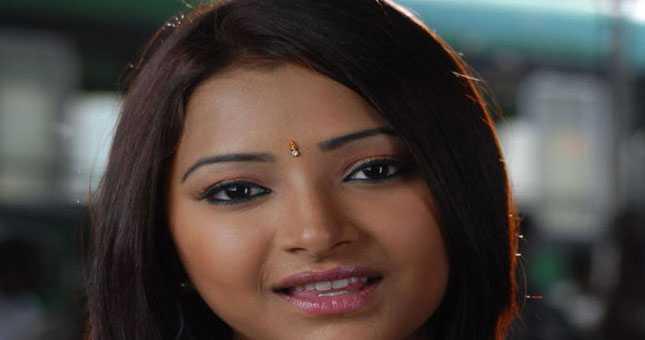 Shweta Basu Prasad, Arrested For Prostitution, Allowed to Live With Mother