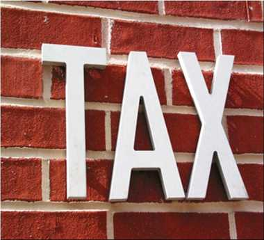 Medium-sized firm in India makes 33 tax-related payments/yr
