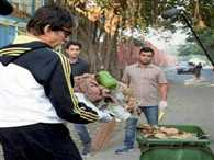 Amitabh Bachchan picks up broom for Swachh Bharat