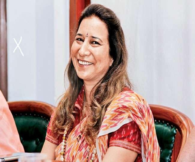 Dr Radhike Khanna