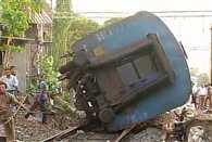 coach of a train derailed in mumbai