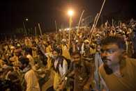 Teargas fired as Pakistan protesters clash with Islamabad police