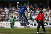 Alex Hales plays a massive innings of 171 to take England to 444