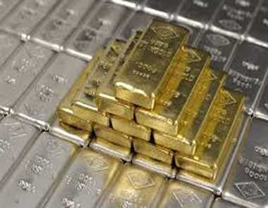Gold, silver prices plunge on weak global cues