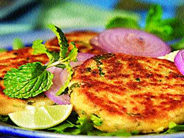 Pen fried chikpea patties