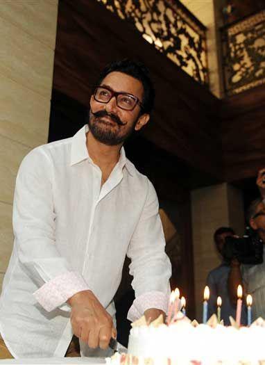 बर्थडे पर आमिर ख़ान ने किया खुलासा, कब ज्वाइन करेंगे पॉलिटिक्स