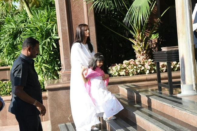 ऐश्वर्या के पिता के चौथे पर फिर भावुक हुआ बच्चन परिवार, देखें तस्वीरें
