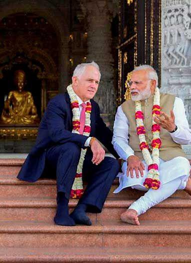 अक्षरधाम मंदिर पहुंचे मोदी और आस्ट्रेलियाई पीएम