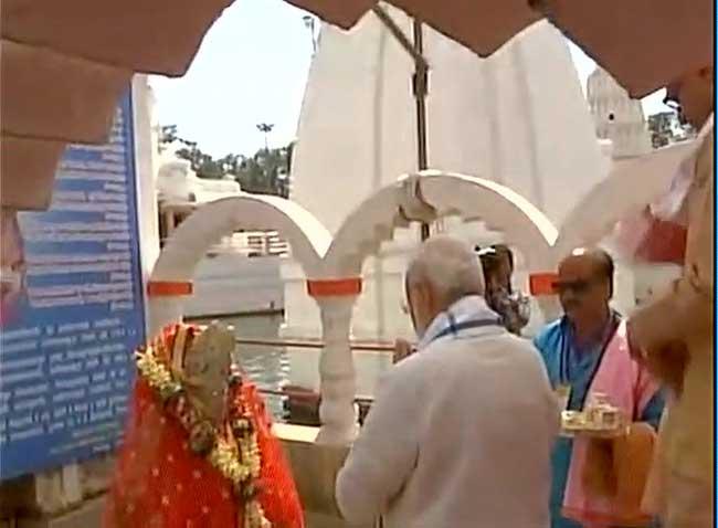 तस्वीरें : पीएम मोदी ने अमरकंटक स्थित नर्मदा उद्गम स्थल मंदिर में की पूजा-अर्चना