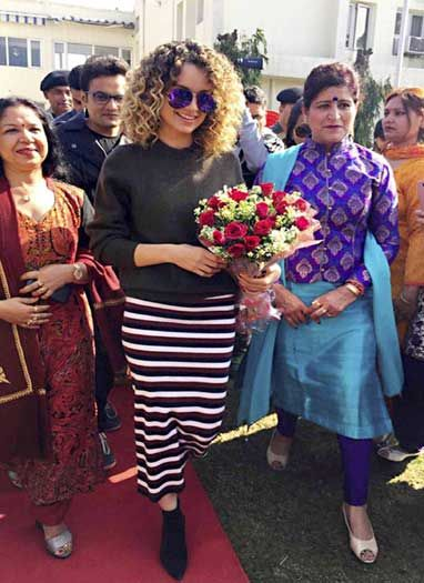 अपकमिंग फिल्म 'रंगून' के प्रमोशन के लिए जम्मू पहुंची कंगना रनौट