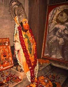 दिल्ली के इस मंदिर में संत तुलसीदास ने रची थी हनुमान चालीसा, देखें तस्वीरें