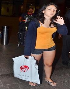काफी ग्लैमरस दिखने लगी हैं आमिर ख़ान की बेटी इरा, देखें लेटेस्ट तस्वीरें