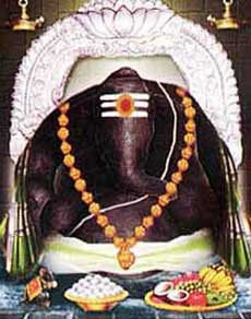 इस चमत्कारी मंदिर में लगातार बढ़ा रहा मूर्ति का आकार, देखें तस्वीरें