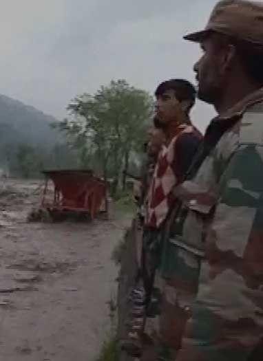 जम्मू-कश्मीर में बाढ़ का कहर