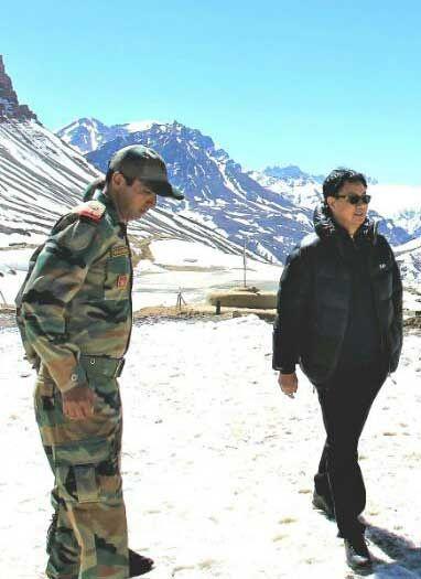 रिजिजू ने किया चीन सीमा से लगी चौकियों का निरीक्षण