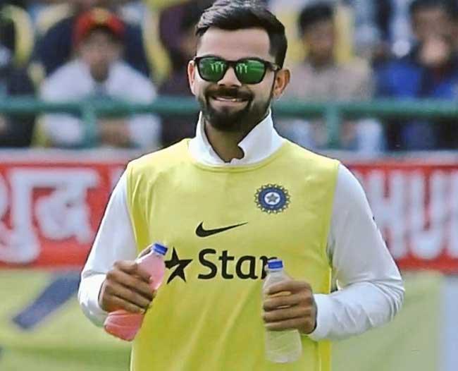 तस्वीरें : धर्मशाला टेस्ट मैच में नहीं खेल रहे कप्तान कोहली, फिर भी मैदान पर उतरे...