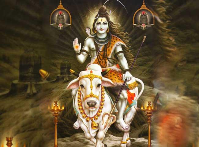 भगवान शिव के इन आभूषणों का है कुछ खास महत्व, जानें