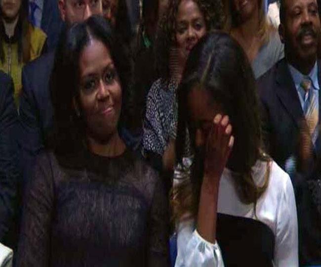 Image result for मिशेल के लिए ओबामा की बातों पर मालिया के छलके आंसू