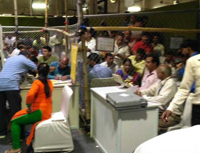 एमसीडी चुनाव : कड़ी सुरक्षा के बीच मतगणना जारी