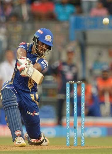 मुंबई इंडियंस ने गुजरात लायंस को हराकर लगाया जीत का 'चौका'