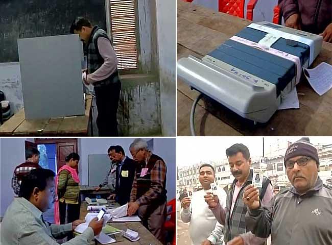 यूपी चुनाव के तीसरे चरण में 69 सीटों पर वोटिंग शुरू, देखें तस्वीरें