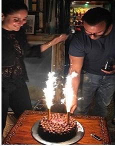 सैफ़ अली ख़ान ने करीना संग केक काटकर ऐसे किया बर्थडे सेलिब्रेट, देखें तस्वीरें