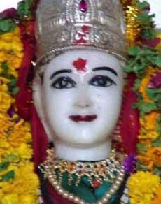 तस्वीरें : पूरी दुनिया में यहीं है भगवान श्रीकृष्ण की पत्नी का एकमात्र मंदिर