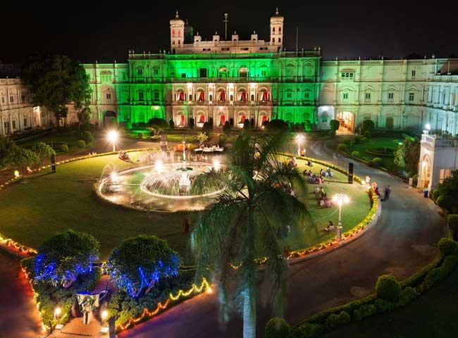 तस्वीरें : 140 साल पुराने इस महल की भव्यता आज भी है आकर्षण का केंद्र