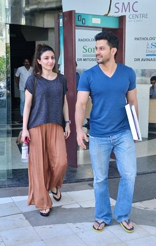 photos : सोहा अली हैं pregnant, husband के साथ पहुंची check up कराने