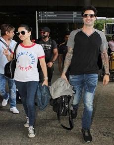 airport pics: सनी लियोनी से लेकर भल्लाल देव, अनिल कपूर से लेकर रणवीर सिंह और भी दिखे कई सितारे