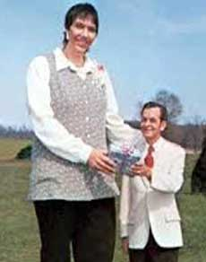 दुनिया की 5 सबसे लंबी महिलाएं, देखें तस्वीरें