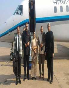 PHOTOS: सभी दलों के नेताओं ने काठमांडू में दी कोइराला को श्रद्धांजलि