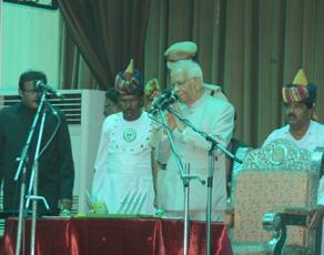 बिहार के कार्यवाहक राज्यपाल बने केसरी नाथ त्रिपाठी, देखें तस्वीरें...